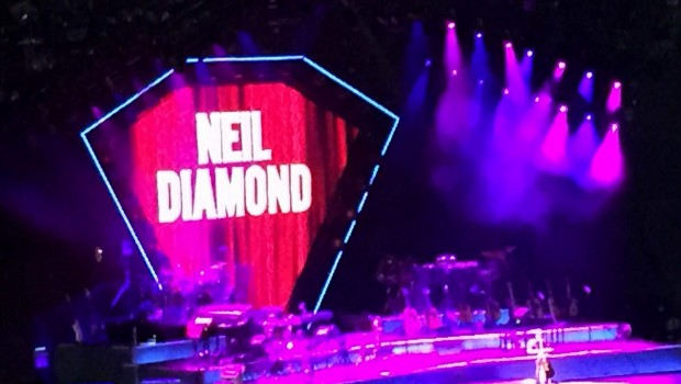 Neil Diamond cautiva a sus fans mexicanos
