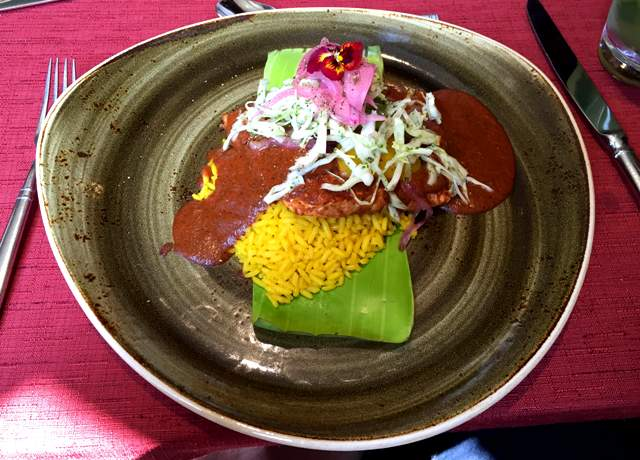 Los Dones comida mexicana Salmón Tikin Xic